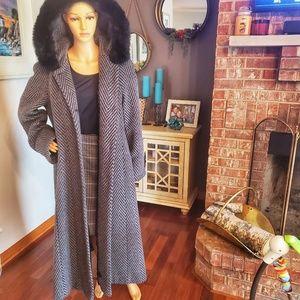 Stunning vintage Andrea alpalca and wool coat